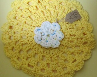 Mellow Yellow crocheted dish cloth