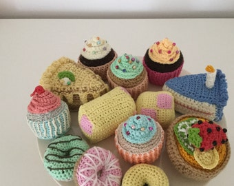 Crocheted vintage style Cakes