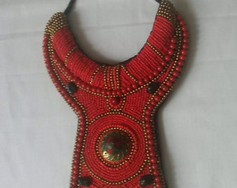 plastron with pearls necklace