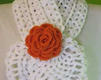 White scarf with a rose (orange)