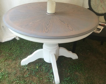 Round White Pedastool Table