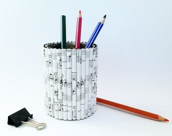 Pen holder - Upcycling: cans + notes / books / recycling