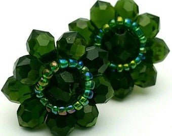 Forest Green Flower Stud Clip on Earrings Retro Vintage clip-on Dark Green Clear Acrylic Daisy