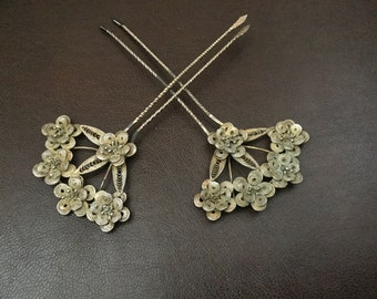 Vintage hair comb pair Victorian Anglo Indian gilt filigree flowers