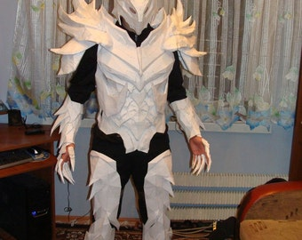 Skyrim Daedric armor replica  cosplay suit 3-D paper model patterns to build your own