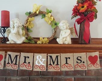 Mr and Mrs Burlap Banner, Heart and Heart Burlap Banner, Wedding Burlap Banner, Wedding Photo Prop, BSC-017