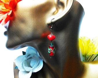 Loops Strawberry red, loops charlotte strawberry, red olive loops, loops green leaves, red leaves curls, red green loops