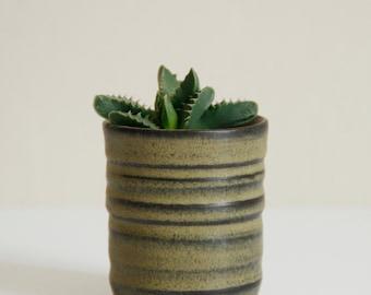 little planter I, green vase, handmade, wheel thrown, stoneware clay, glazed