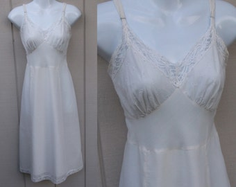 Vintage Cotton Weave Semi-Sheer SLIP with lace trim - size 38 / Med - Lge