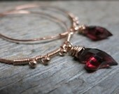Saint Valentin earrings ... 14K rose gold / wire wrapped / hammered hoops / garnet hearts