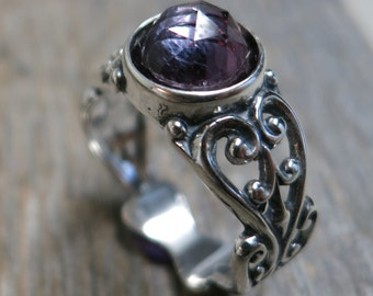 Bacchus' Tears ring ... cast sterling silver / filigree / rose cut alexandrite / US ring size 7