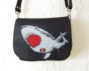 Shark Messenger Bag Black Leather