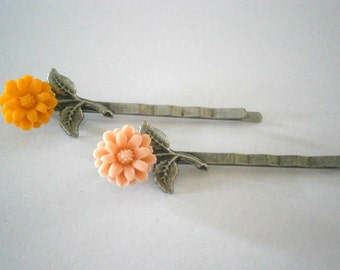 Resin Flower Bobby Pin in Your Color Choice, Peach or Yellow Bobbi Pin, Hair Accessories, Willow Glass