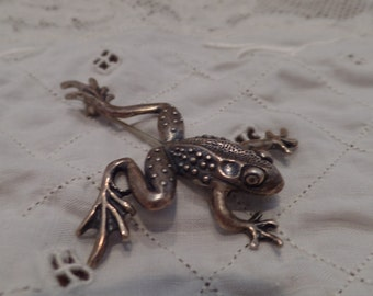 Leaping Frog Pin - Sterling