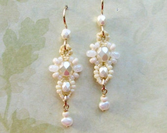 Small Macrame Earrings, Cream, White, Beaded earrings, bridal, wedding, Belle style