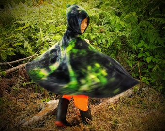 Kids Hooded Cape, Hooded Cloak, Boys Cloak, Northern Lights Special Edition, Black and Green, Tie Dyed Cape, Hooded Cape, MADE TO ORDER
