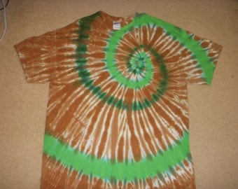 XL tie dye t-shirt, shades of brown and green swirl, extra large