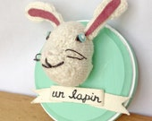 Un Lapin Hand-Knit Bunny Faux Taxidermy Head Mount | Baby Room Decoration / Knitted Rabbit / Animal Collection Wall Decoration