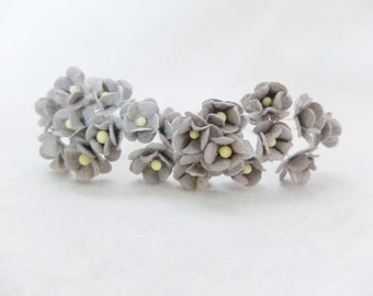 20 15mm grey paper double layers daisies - 1.5cm grey paper flowers
