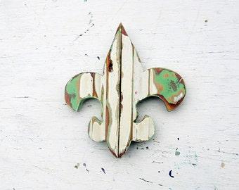 Cream Fleur de Lis, Reclaimed Wood Decor, New Orleans Symbol, Southern Decor, Reclaimed Wood Wall Art, Rustic Wall Art, Boho Wall Decor