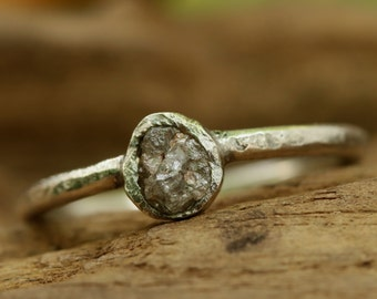 wedding ring gray rough diamond in bezel setting with matte sterling silver design band