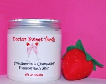 Strawberries & Champagne Foaming Bath Whip 8oz