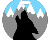 Luggage Tag - Wolf Howling in the Mountains - 2.5 inch or 4 Inch Round Plastic Bag Tag