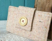 SNAP card Keeper Wallet cream wool with posey applique