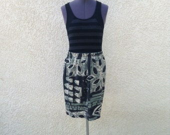 Vintage 80s knit graphic tribal print skirt ~ minimal ~ street fashion