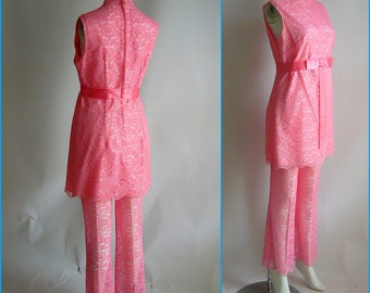 Vintage VICKY Sheer Lace Pants Suit / BELL Bottoms 60s Mini Dress 2pc / size  4 6 8 Small Petite / Peach Pink Pantsuit USA 1960s