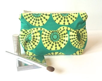 Makeup Bag No. 1 in Pinwheel with Wipeable Lining