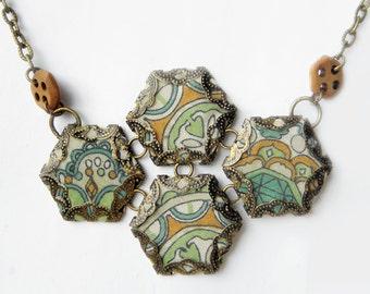 Hexie Quartet Necklace, Pistachio {A}
