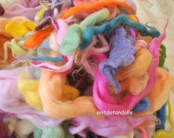 Merino wool hand dyed with eco colors, many colors 8.75oz/250gram