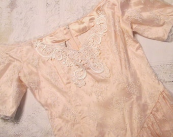 Vintage Gunne Sax Dress - Pink With White Floral Lace Overlay