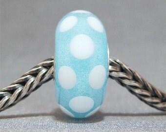 SMALL CORE Glow in the Dark Blue & White Handmade Dot Lampwork Glass Bead Euro Bracelet Charm White Polka Dot