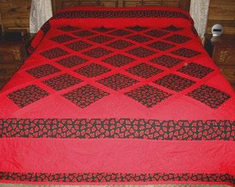 Quilt, Handmade Garden Trellis Quilt, Hand Quilted Quilt, Rose Trellis, Black and Red Quilt, Quilting