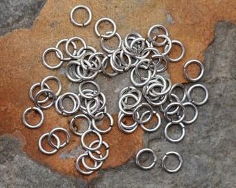 25 Antique Silver 4.5mm Small Jump rings - Nunn Designs
