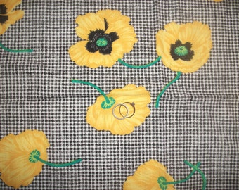 """20X58"""" Remnant 1990s Yellow n Black Poppies (with Green Stems) Fabric on Black & White Gingham Print"""