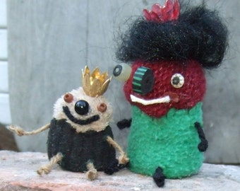 Miniature King & Queen Doll . Whimsical Primitive Mini Royal Wittle Folk Art Soft Sculpture