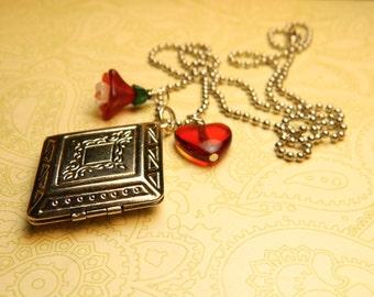 Photo Locket Necklace, Silver Locket, Unique Locket, Romantic Gift for Her, Heart Flower Charm, Diamond Shaped Locket