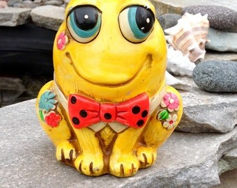 FREE SHIPPING-Vintage Holiday Fair 1967 Japan Chalkware Groovy Frog Bank-Retro-Kitschy-Mod-Modern-Hippie-Kid Room Decor