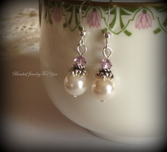 Bridesmaid Earrings: White Pearl Wedding Earrings, Wedding Jewelry, Wedding Jewelry, Mother of Bride, Maid of Honor, Bridal Party Gift