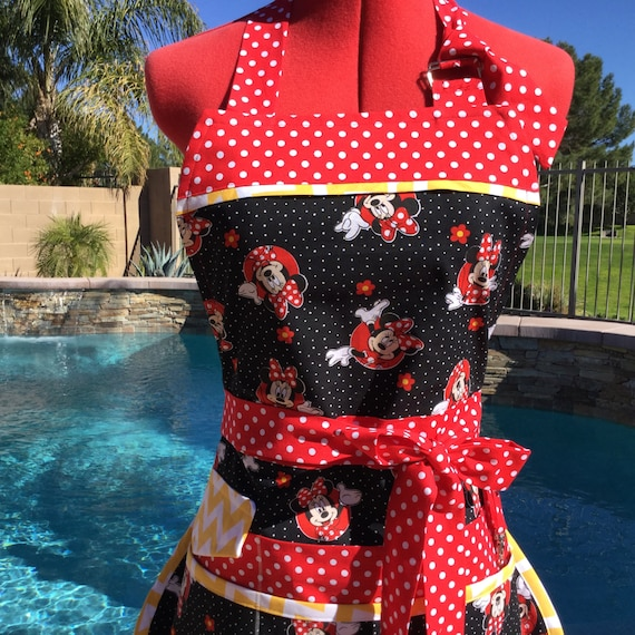 Ready To Ship - Sassy Vendor Apron with Bib and 6 pockets, Great for Vendors, Gardening, Cleaning, Teachers, Farmers Market