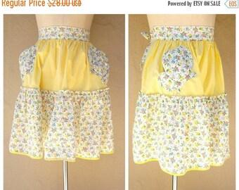FLASH SALE 40s 50s hostess apron / yellow floral half apron / tea cup pockets