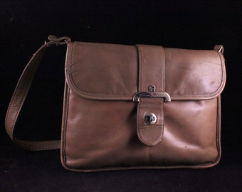 Vintage Ecru Tan Leather Etienne Aigner Purse/Handbag with Shoulder Strap
