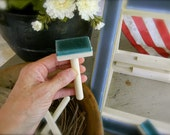 Rug Hooker's Friend - Gripper Strip Cleaning Brush - Rug Hooking/Punch Needle - from Notforgotten Farm™