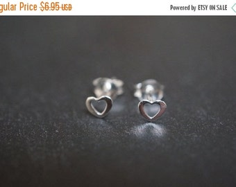 AUTUMN SALE High Quality Sweet and Simple .925 Sterling Silver Tiny Hollow Heart Studs Earrings with Silver Backings - 1 pair