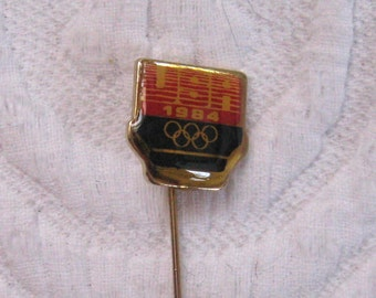 lapel pin . olympic games 1984 . olympic games 1984 lapel pin . USA olympic game pin