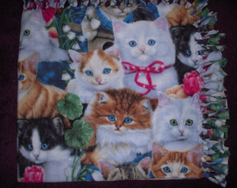 Kittens NoSew Fleece Blanket