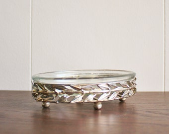 Vintage glass soap dish with silver plated flower detail